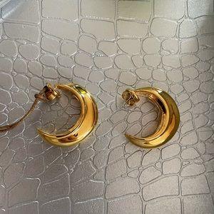 NWT beautiful brass gold hoops